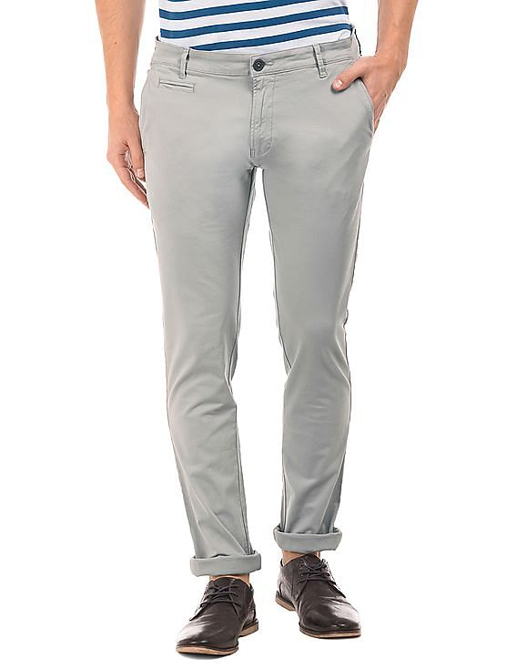 b5b50dab26d Buy Men Skinny Fit Cotton Twill Trousers online at NNNOW.com