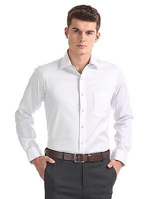 Arrow Regular Fit Striped Stitchless Shirt