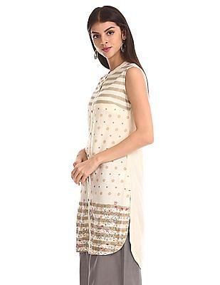 Karigari White Patterned Weave Printed Kurta
