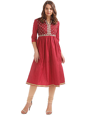 Anahi Embroidered Yoke Anarkali Kurta