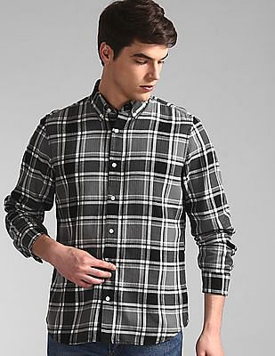 GAP Black Button Down Collar Check Shirt