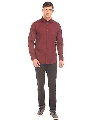 Izod Solid Slim Fit Shirt
