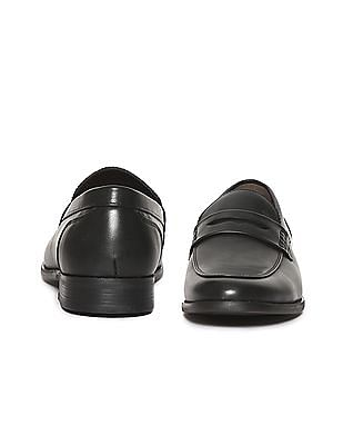 Arrow Round Toe Solid Slip On Shoes