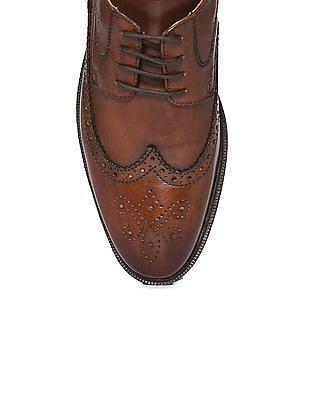 Arrow Wingtip Textured Derby Shoes