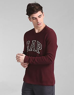 GAP Men Red Arch Thermal Logo Tee