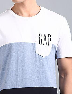 GAP Chest Pocket Logo T4ee