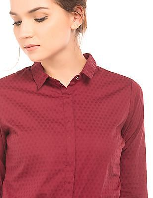 Arrow Woman Textured Regular Fit Shirt