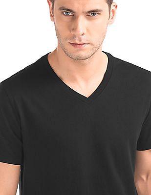 GAP Essential V-Neck T-Shirt